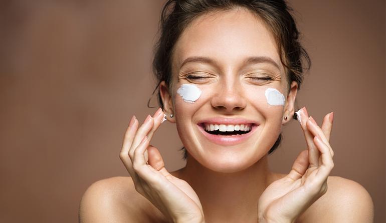 Acht Beauty-Tipps für die Sperrung von Coronaviren